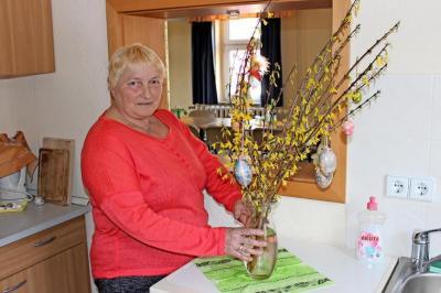 Beate Lindenau an ihrem Arbeitsplatz im Gemeindezentrum. Quelle:  Stefan Blumberg