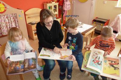 Foto zu Meldung: Bücherwurm Willi zu Gast