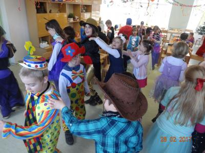 Foto zur Meldung: Helau und Alaaf - Die Windmühlenkids feiern Fasching