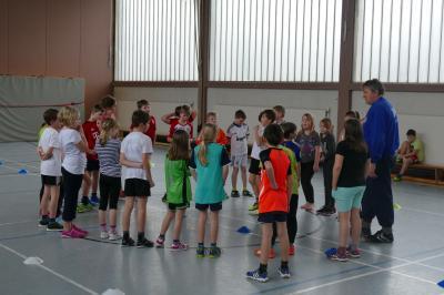 """Foto zur Meldung: """"get in touch"""" - Handball in der Grundschule Großsolt"""