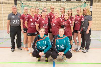 Foto zur Meldung: 1. Frauen - Couragierte Leistung beim Tabellenzweiten HV Grün-Weiß Werder