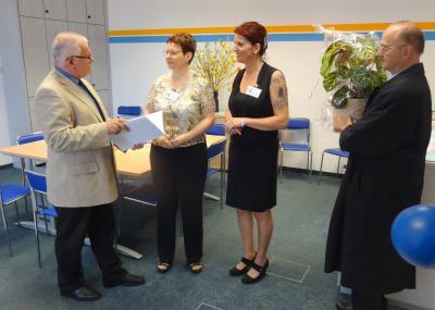Foto zur Meldung: Förderverein zur Kommunalen Entwicklung Rehfeldes gratuliert