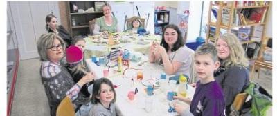 Foto zur Meldung: Kreative Kinder in der Bücherei Oberneisen