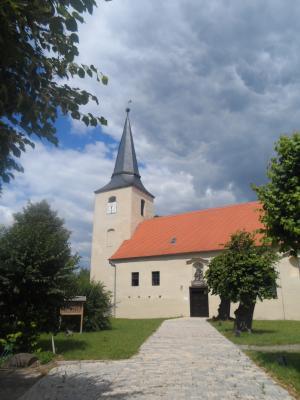 Die Kirche von Angern, wo im Advent gern gemeinsam gesungen wird.