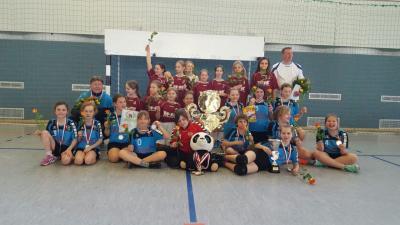 Foto zur Meldung: Erste E-Jugend des HSV 04 holt sich den Titel - Die zweite Mannschaft erreicht einen hervorragenden 5.Platz
