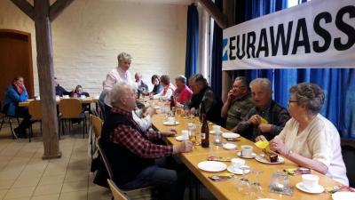 Foto zur Meldung: Senioren der Stadt zu Kaffee und Kuchen eingeladen