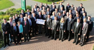 Vorschaubild zur Meldung: Volksbank Neckartal übergibt 45.000 Euro an Freiwillige Feuerwehren