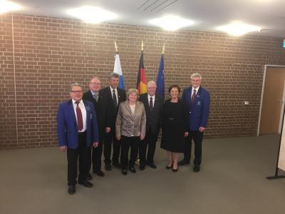 Vorschaubild zur Meldung: Albin Hüttl bekommt Ehrenzeichen des Bayerischen Ministerpräsidenten für im Ehrenamt tätige Frauen und Männer verliehen