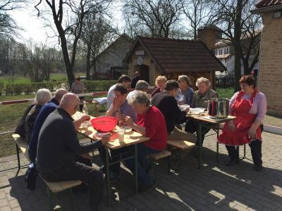 Foto zu Meldung: Mitteilung des Fördervereins Gemeinschaftsleben Diedersdorf e.V. - Frühjahrsputz