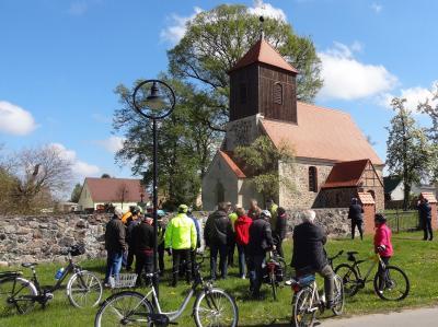 Foto zur Meldung: Historische Rad-Rundfahrt in Lichtenow