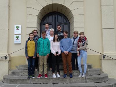 Fünf Schülerinnen und Schüler nahmen zum Zukunftstag 2017 die Chance war, unterschiedliche Sachgebiete und die Berufsbilder im Rathaus kennenzulernen