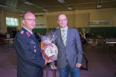 Bürgermeister der Gemeinde osternienburger Land gratuliert zum Jubiläum