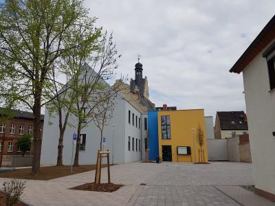 Foto zu Meldung: Neuer Haupteingang zum Rathaus der Stadt Güsten
