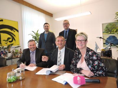 Bild von links: Stefan Busch, Tobias Schön, Frank Stumpf, Gunther Leupold und Anke Rieß-Fähnrich