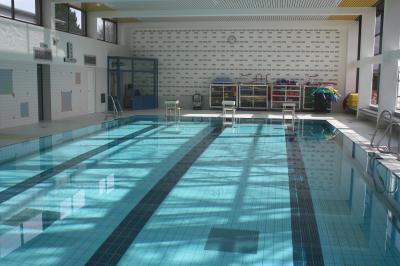 Vorschaubild zur Meldung: Neue AquaFitness- und AquaPower-Kurse im Hallenbad Liedolsheim starten am 21.06.2017