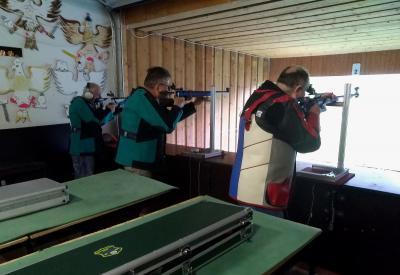 Foto zur Meldung: KK-Auflagemannschaft nach der Vorrunde auf Platz 1