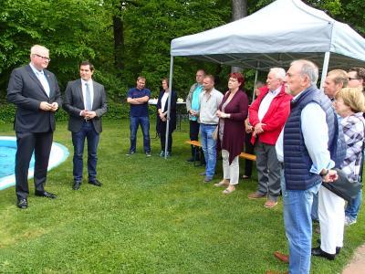 Foto zur Meldung: Hessischer Finanzminister besucht Nauheim