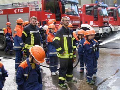 Vorschaubild zur Meldung: 24- Stunden-Dienst in Creuzburg fordert Jugendfeuerwehren bis zur Grenze