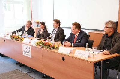 Vertreter der brandenburgischen Landtagsparteien auf der LFB-Podiumsdiskussion zum Thema Breitbandausbau