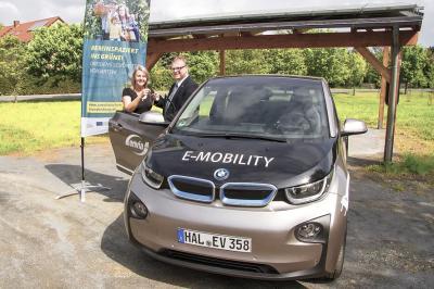 Foto zu Meldung: Amtsverwaltung Schradenland testet Elektroauto