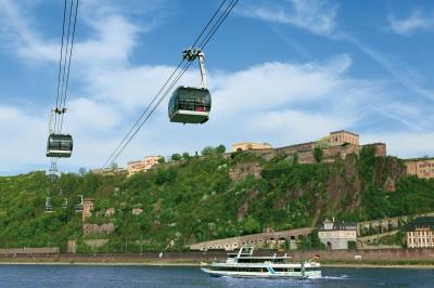Die Festung Ehrenbreitstein und die Stadt Koblenz sind Ziele der nächsten Städtetouren . Foto: GDKE Rheinland-Pfalz Ulrich Pfeuffer