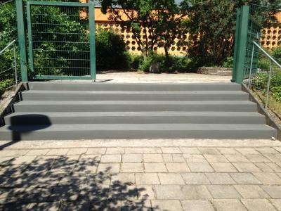 Foto zu Meldung: Treppensanierung an der Grundschule L. Uhland und an der Sport- und Schwimmhalle