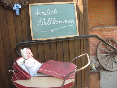 Vorschaubild zur Meldung: Neue Ausstellung - Spielzeug aus DDR-Zeiten -