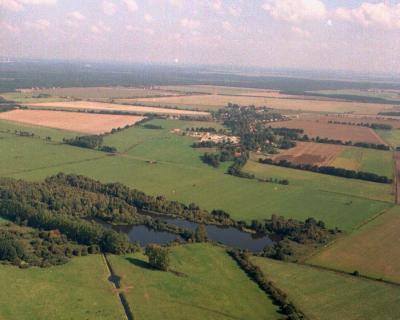 Foto zur Meldung: Gemeinde Sülstorf aus der Vogelperspektive