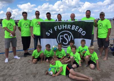 Foto zur Meldung: Fuhrberger F-Jugend nahm im Rahmen ihres Saisonabschlusses am Beachsoccer Cup in Damp Teil