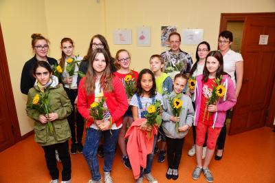 Die Schülerinnen und Schüler der Kunstkurse der Sekundarschule