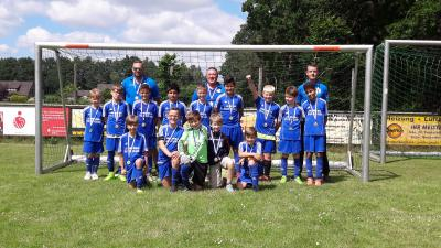 Foto zur Meldung: E1-Junioren -  Nach Aufstieg nun auch Staffelsieg gesichert