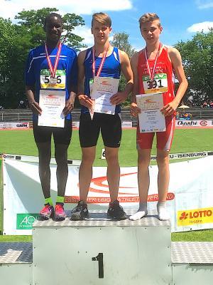 Foto zur Meldung: Mika Bauer mit Riesensatz zum Hessenmeistertitel