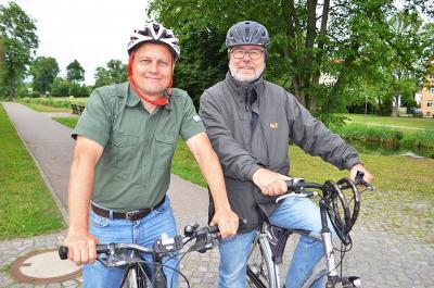 Sind auch schon beim Stadtradeln angemeldet: Sven Dehler, Verkehrsexperte der Stadt Oranienburg, und Bürgermeister Hans-Joachim Laesicke.