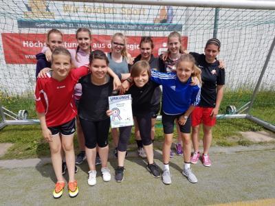 Foto zur Meldung: Spannende Spiele im Landesfinale des Mädchenfußballs