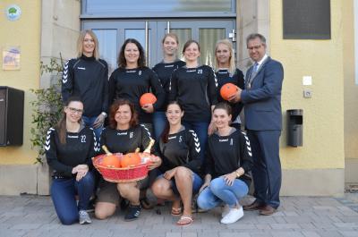 Foto zur Meldung: Empfang der Damenmannschaft des HC Creußen