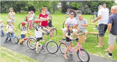 Foto zur Meldung: Junge Radfahrer im Fahrtest