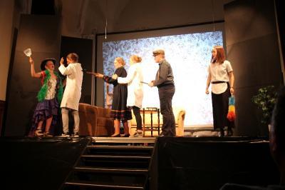 Vorschaubild zur Meldung: Junior-Theater-AG mit großem Erfolg