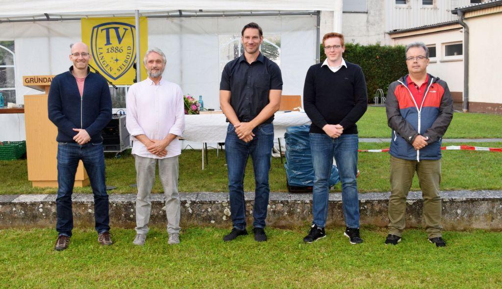 v.l.n.r.: Marius Neukamp (Vorstand Finanzen), Ralf Völker (2. Vorsitzender), Florian Koog (1. Vorsitzender), Marcel Simon (Vorstand Sport), Jens Hildenhagen (Schriftführer)