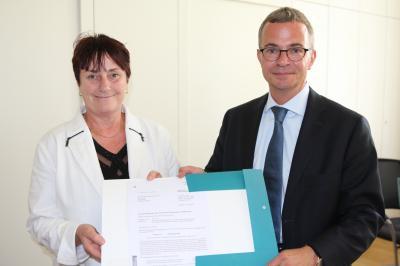 Foto zur Meldung: OSL erhält vom Land knapp 6 Millionen Euro Fördermittel für den Breitbandausbau im Kreis