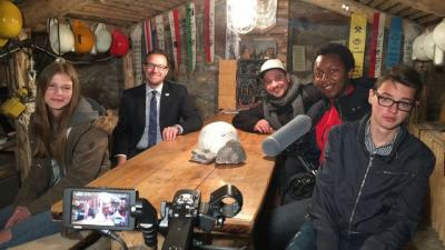 Bürgermeister Thomas Eckhardt und Mitarbeiter vom medienWerk Eschwege