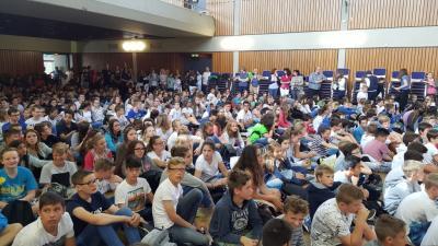 Vorschaubild zur Meldung: SHG feiert seine SchülerInnen