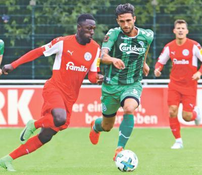 """Foto zur Meldung: Freundschaftsspiel - """"Störche"""" proben in Vogelparkstadt 2.-Liga-Anflug"""