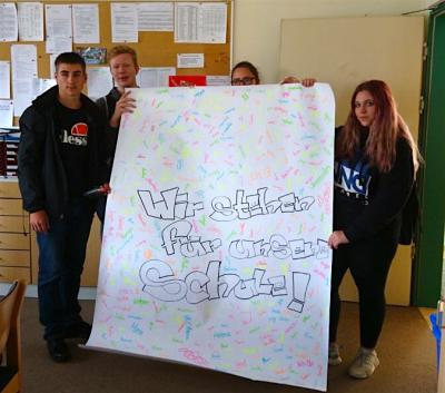 Foto zur Meldung: WIR stehen für UNSERE Schule!