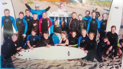 Vorschaubild zur Meldung: Domschüler beim Wellenreiten