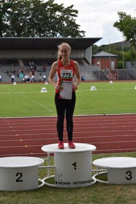 Foto zur Meldung: Lara Schmitz wird mit Kreisrekord NRW-Meisterin