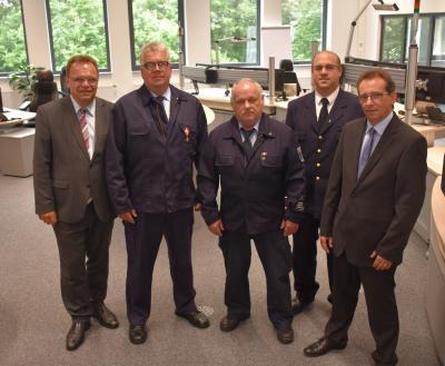 Vorschaubild zur Meldung: Feuerwehrmänner aus sechs Kommunen mit Goldenem Brandschutzehrenzeichen geehrt