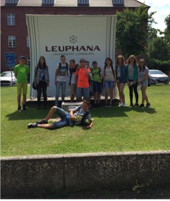 Foto zur Meldung: Exkursionstag an die Leuphana Universität in Lüneburg
