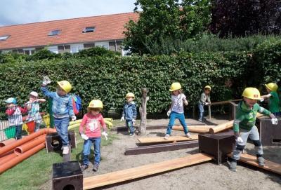 """Foto zur Meldung: """"Achtung Baustelle"""" - Kita Schwalbennest eröffnet Bewegungsbaustelle"""