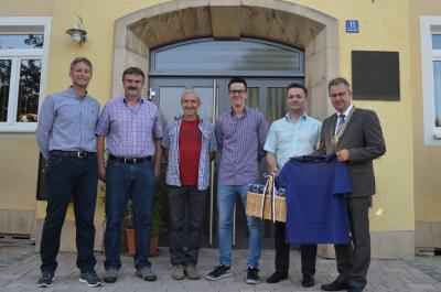 Von links: Martin Bergmann, Peter Betsch, Peter Küfner, Markus Drotleff, Vereinsvorsitzender Daniel Geßenich und Erster Bürgermeister Martin Dannhäußer