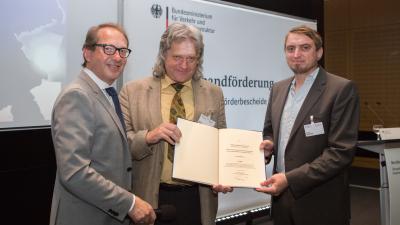 Foto zur Meldung: Landkreis Märkisch-Oderland erhält Förderbescheid für Breitbandausbau